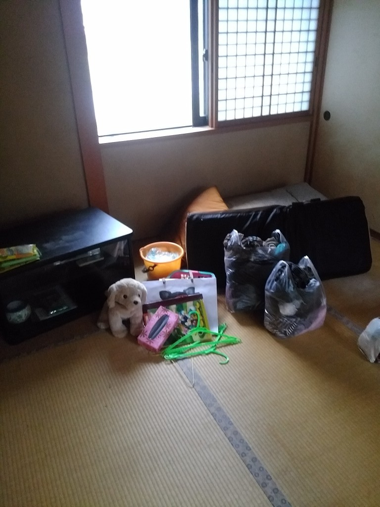 【勝山市】お部屋の片づけとゴミの処分・拭き掃除のご依頼☆お部屋がすっかり綺麗になりご満足いただけました!