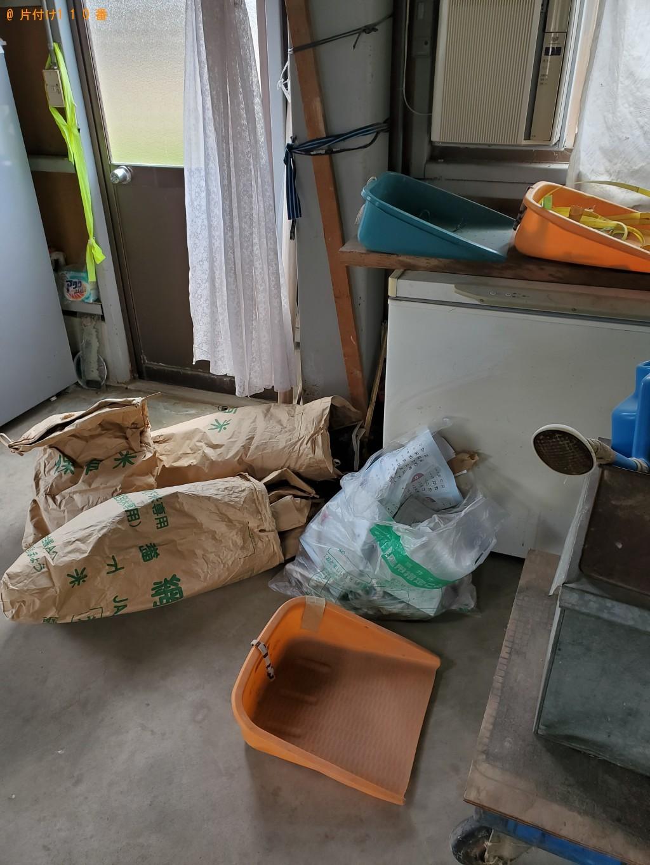 【福井市波寄町】タンス、バケツ、カゴ等の回収・処分と木の伐採