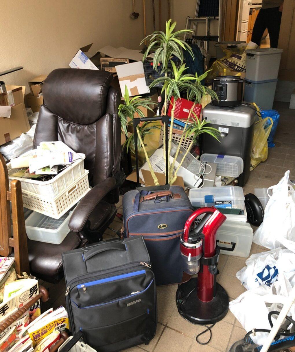 【福井市】マッサージチェア、ゴミ箱、ケース、鉢植え等の回収・処分